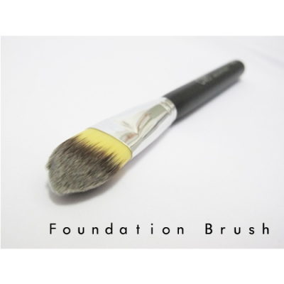 ORIS BR 013 foundation brush   IDR 85,000 depan  large